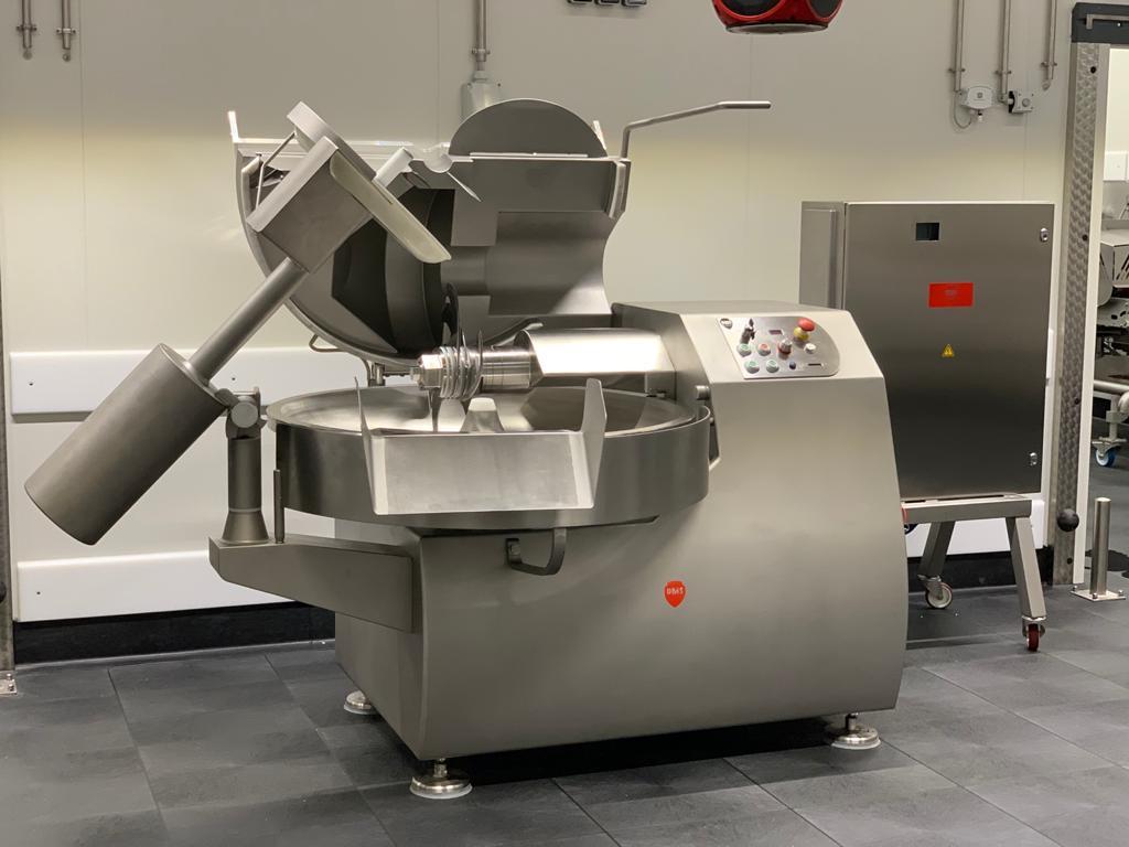 Cutter DMK 120 litros (nueva)